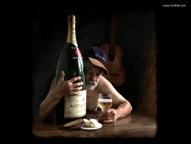 big_bottle_of_champagne-7610.jpg